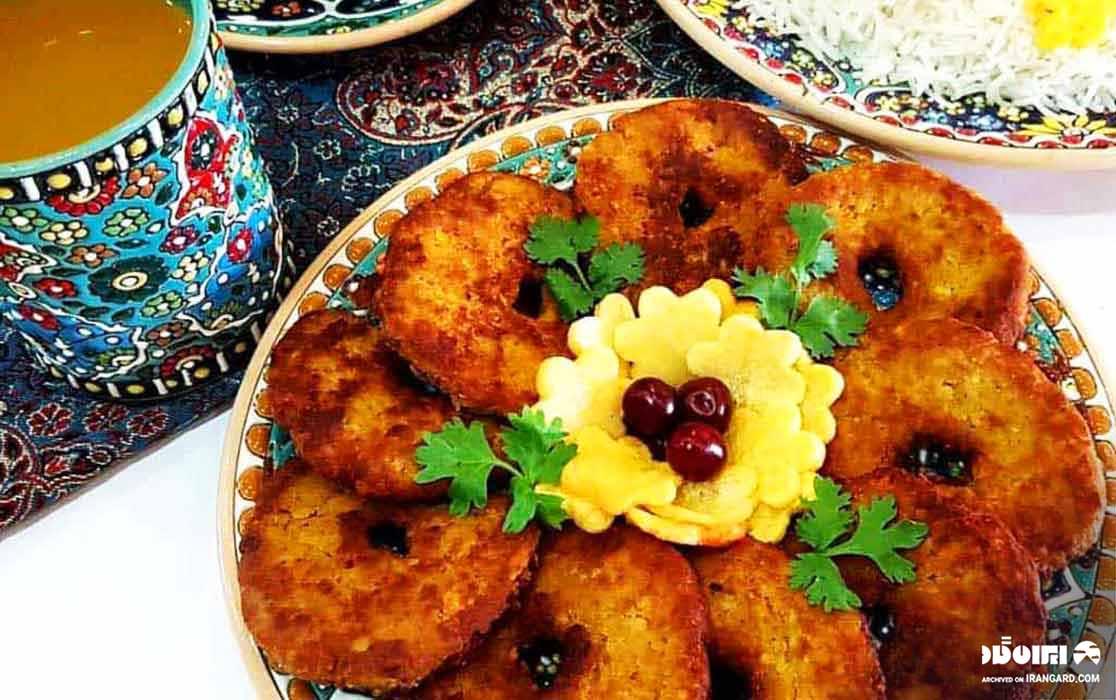 غذاهای محلی گیلان - کوکوی مرغ یا چخرتمه