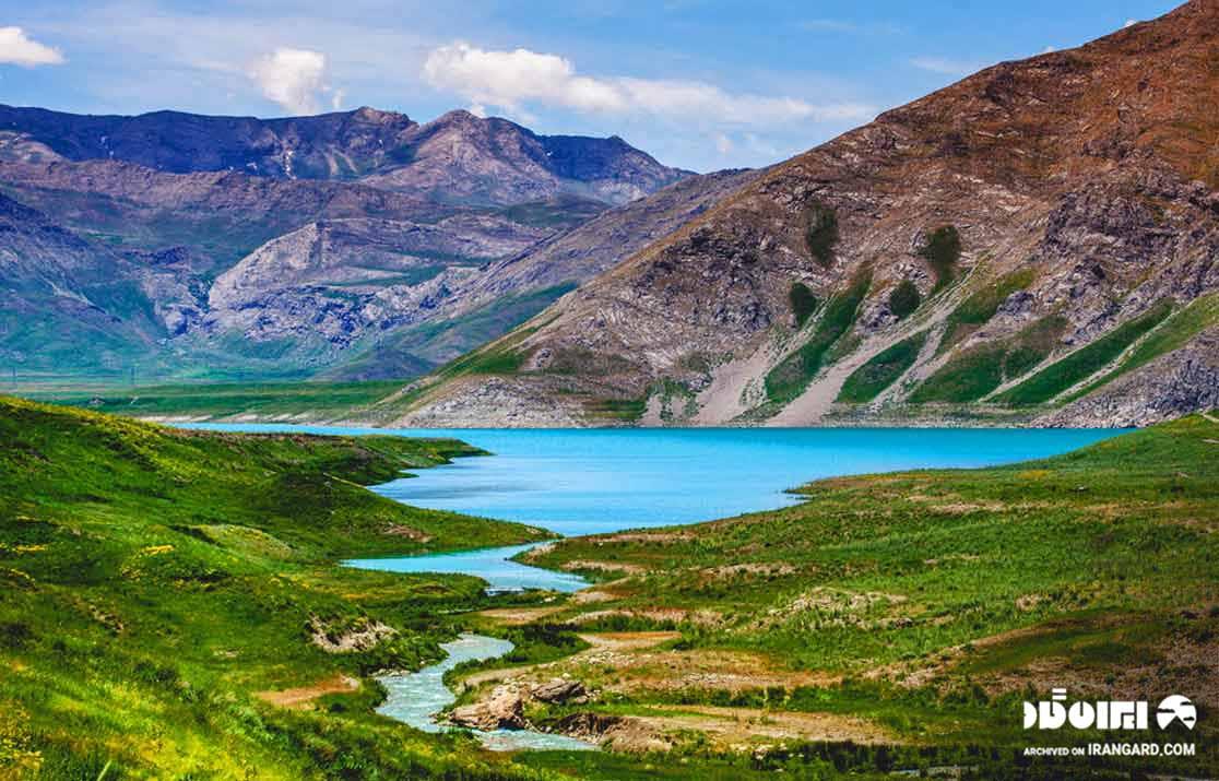 دریاچه نئور کجاست