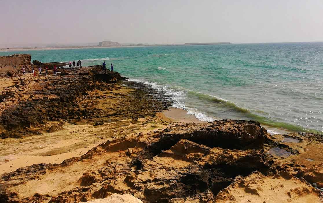 ساحل جزیره ناز در قشم