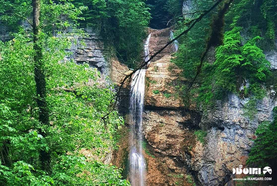 آبشار تودارک - دیدنی های تنکابن