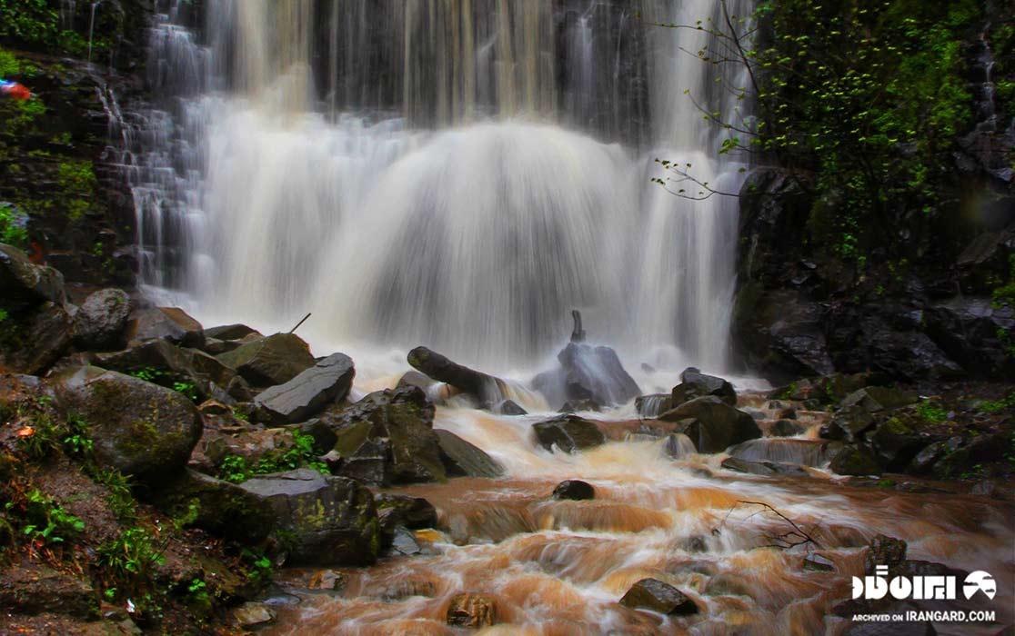 آبشار لونک در سیاهکل