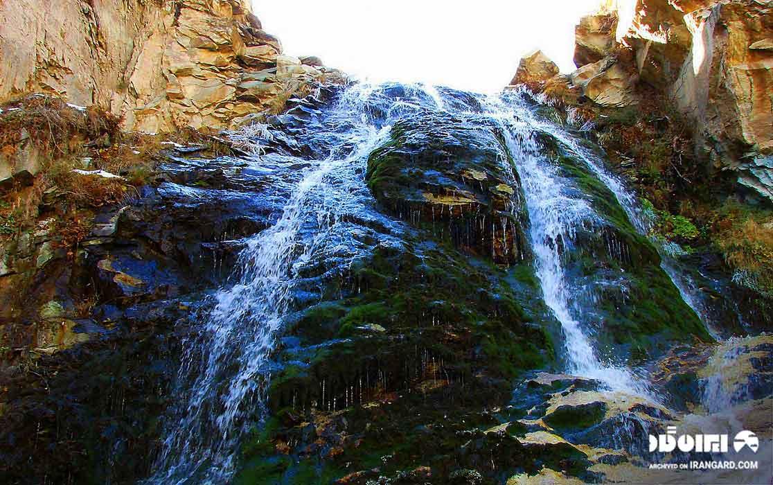 آبشار ده تنگه در شمشک